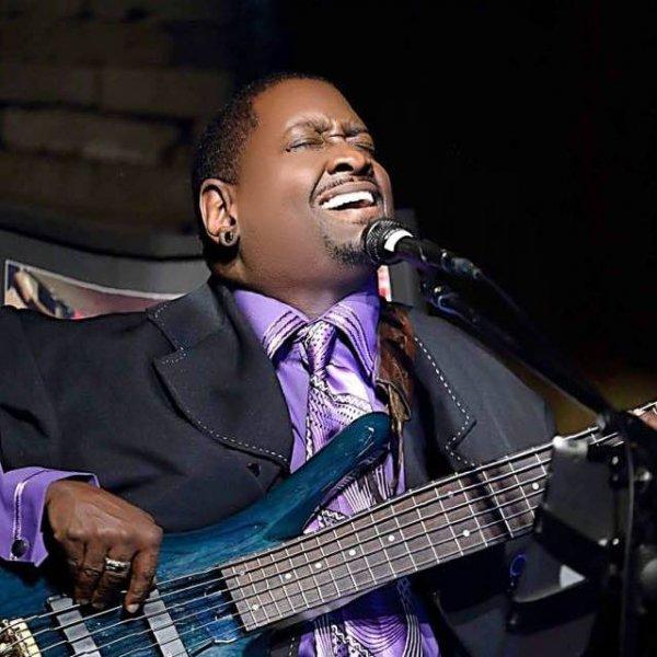 Glynis Martin (bass)